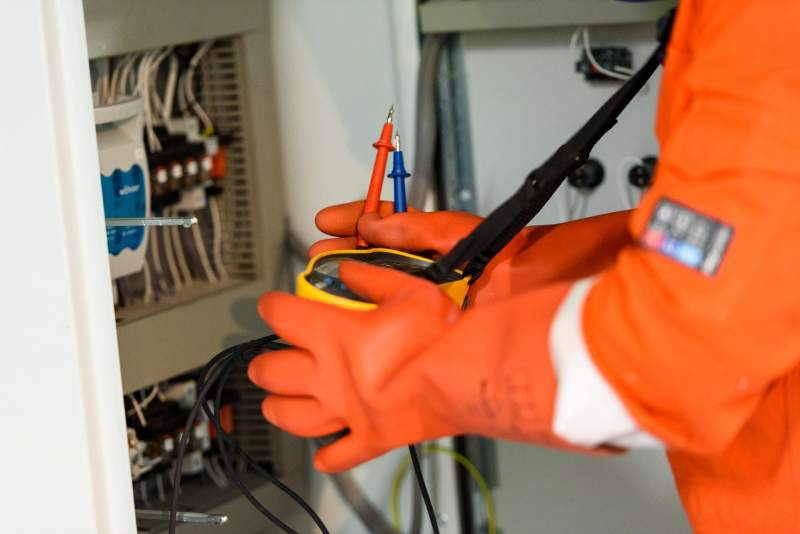 Qualified Electricians, Dublin - Career Opportunity at STS